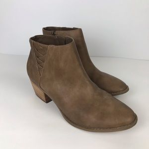 American Eagle Booties Ankle Boots Brown 9